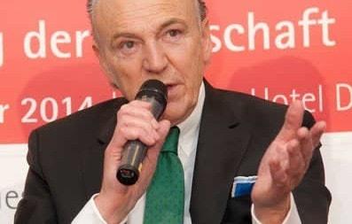 AUNDE-Chef und Präsident von Borussia Mönchengladbach, Rolf Königs, auf dem Forum 2014