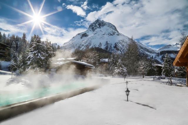 Winter_Pool mit Sonne