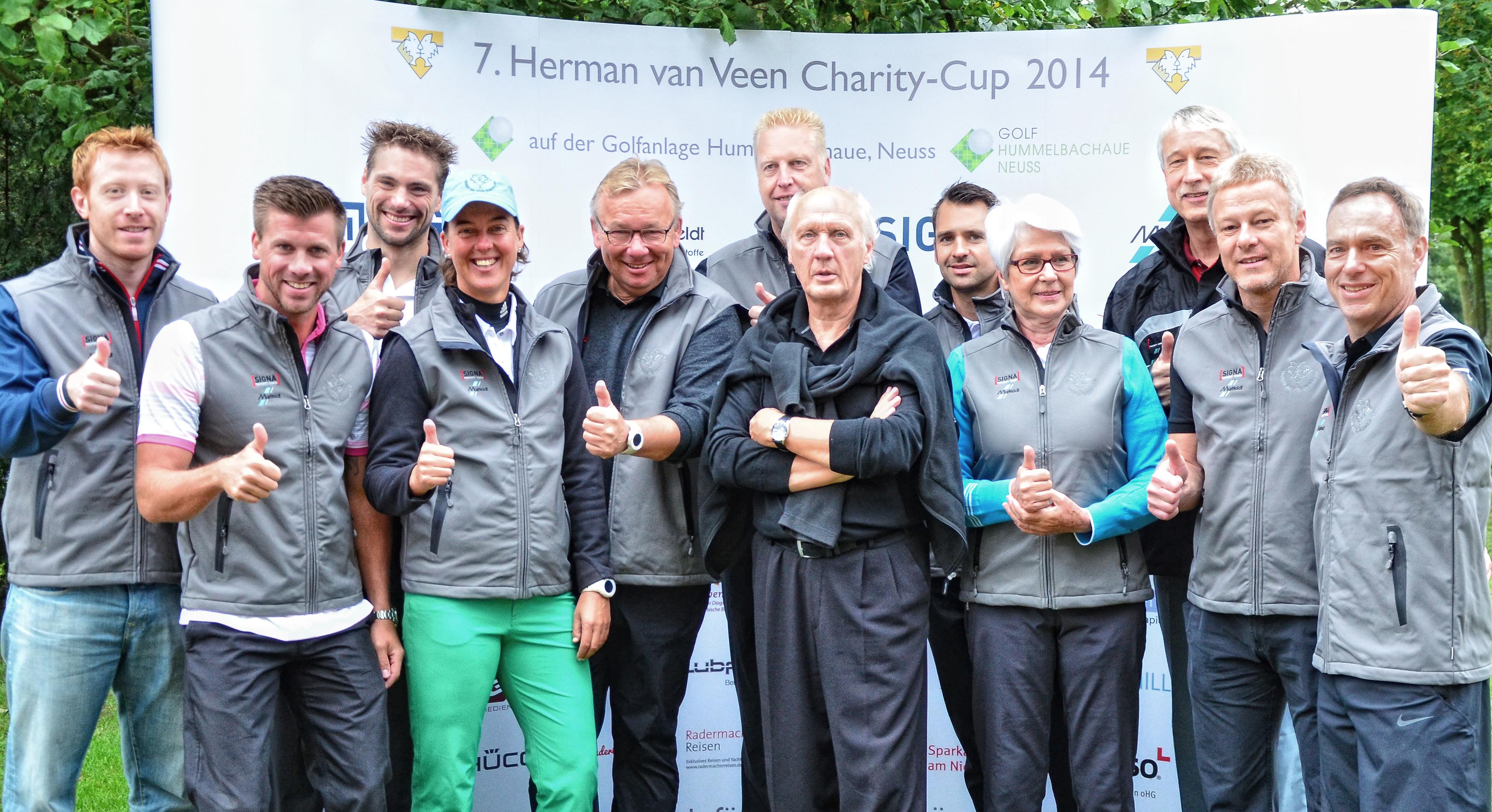 Olympiasieger und TV-Stars für den guten Zweck: Herman van Veen inmitten der Botschafter seiner Stiftung beim letztjährigen Golfevent