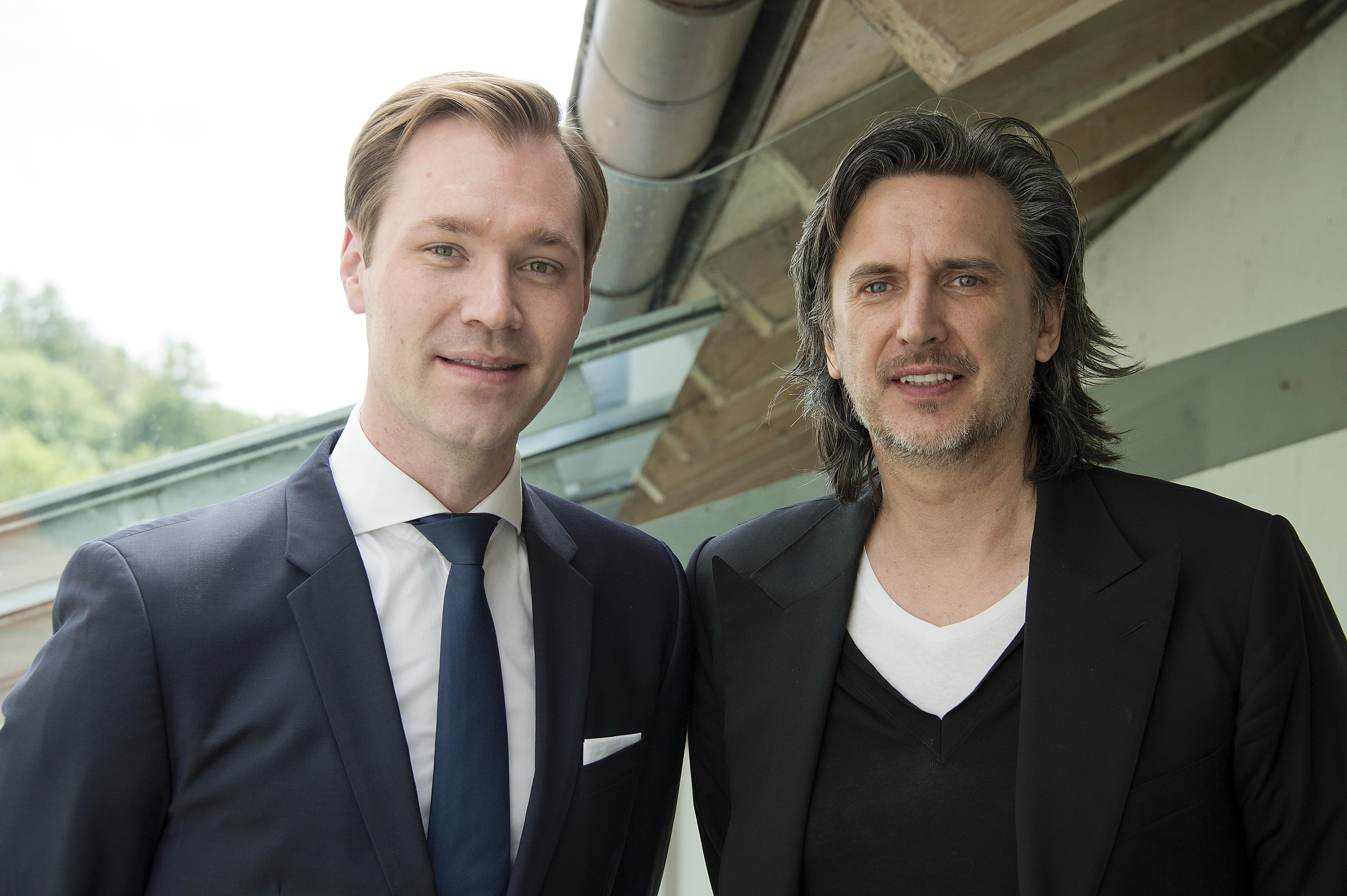 Julius van de Laar und Prof. Dr. Christian Bluemelhuber