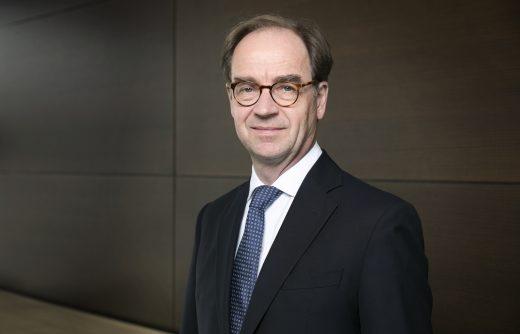 Dr. Stephan König