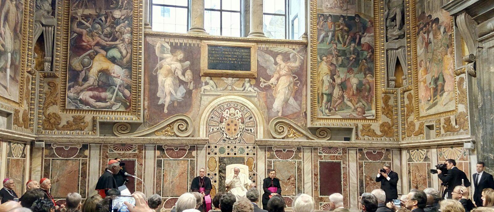 Der Heilige Vater bei siener Rede vor den Unternehmern der UNIAPAC in der Sala Regia im Vatikan (Bild: Stephan Werhahn)